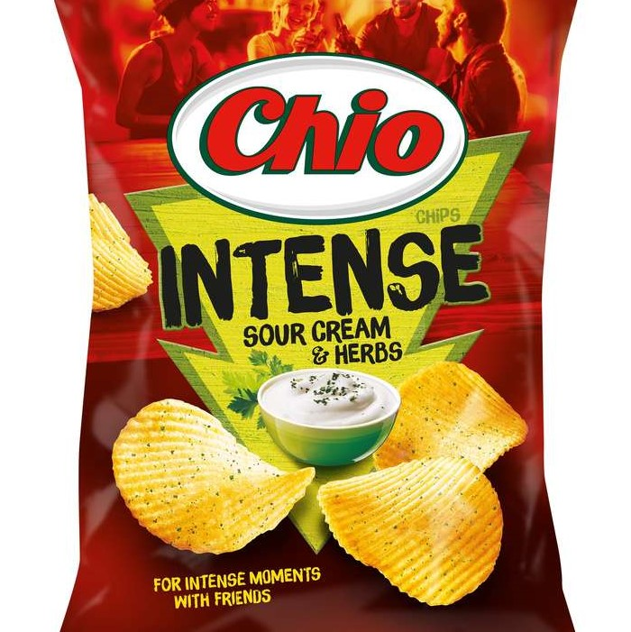 Къдрав чипс Chio Intense Sour Cream & Herbs-65г.